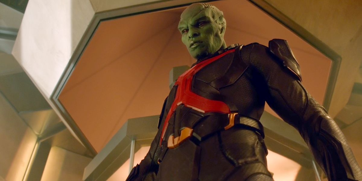 "Supergirl Reaches An Exciting New Status Quo With The ""Manhunter"""