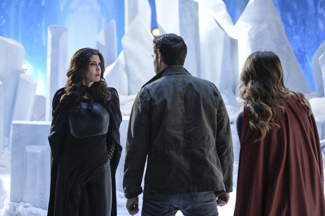 "Supergirl And Mon-El Deal With Lies And A ""Distant Sun"""